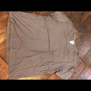 Women's grey pocket tee